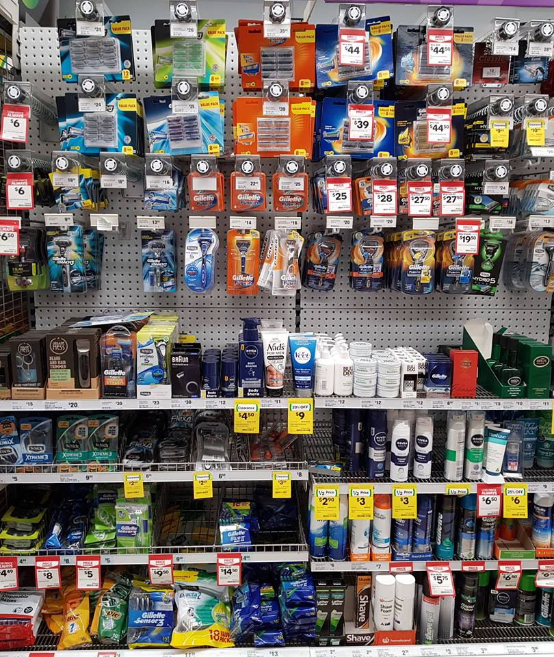 Photo of a typical supermarket shaving isle which contains no reusable razors.